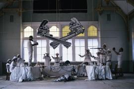 It gets dangerous on the set created by Žana Bošnjak for Mein Brauttanz. //Photography by Katja Oortman